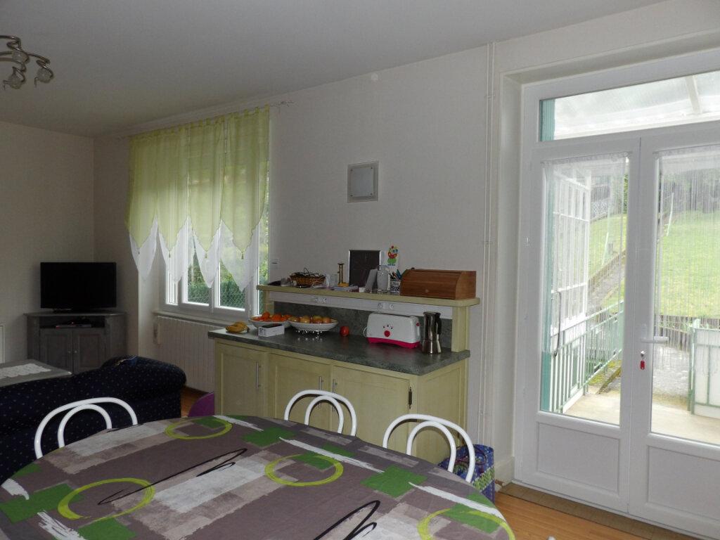 Appartement à louer 4 170m2 à Mazamet vignette-2