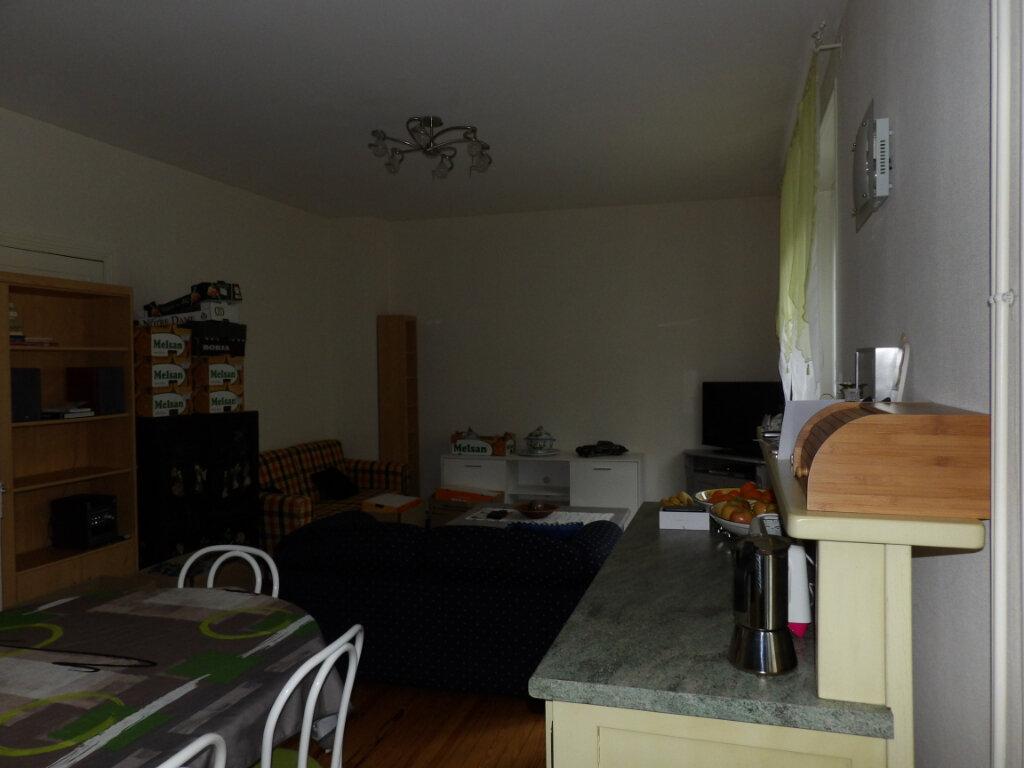 Appartement à louer 4 170m2 à Mazamet vignette-3