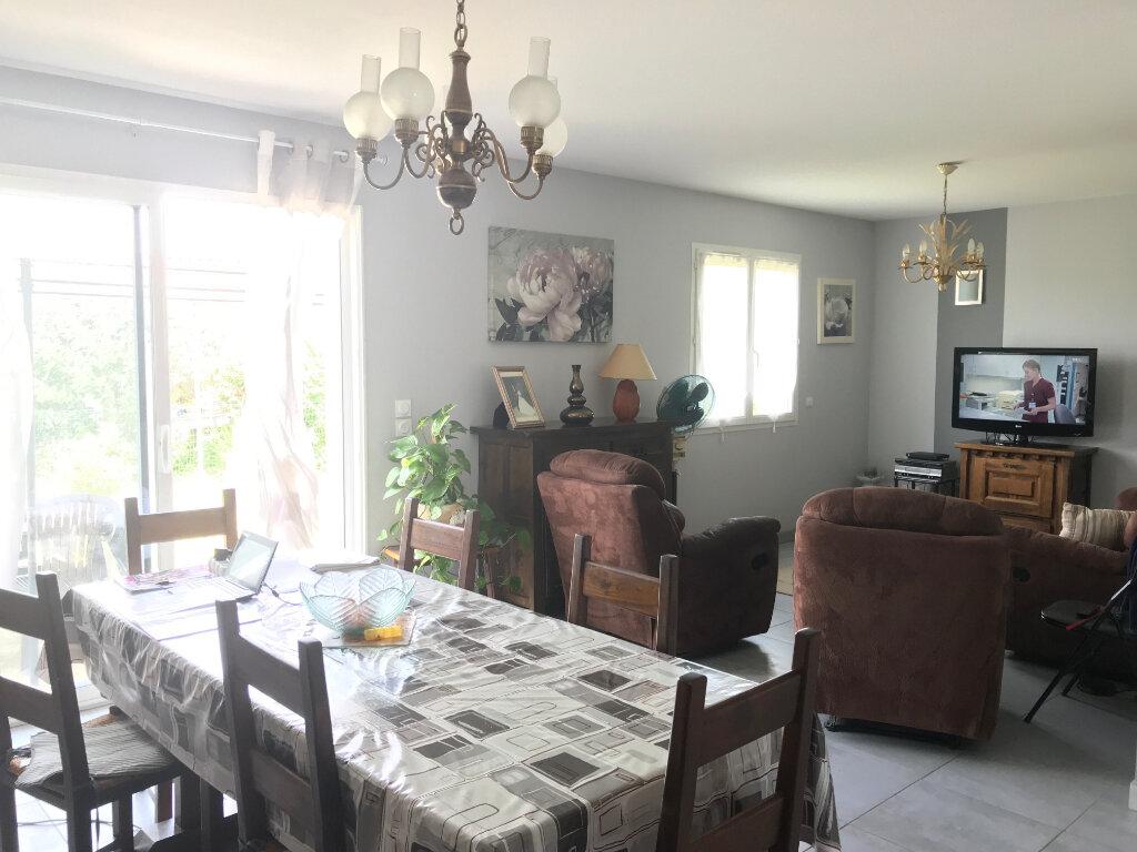 Maison à louer 4 98m2 à Bout-du-Pont-de-Larn vignette-4