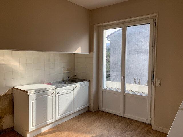 Appartement à louer 3 100m2 à Aussillon vignette-3
