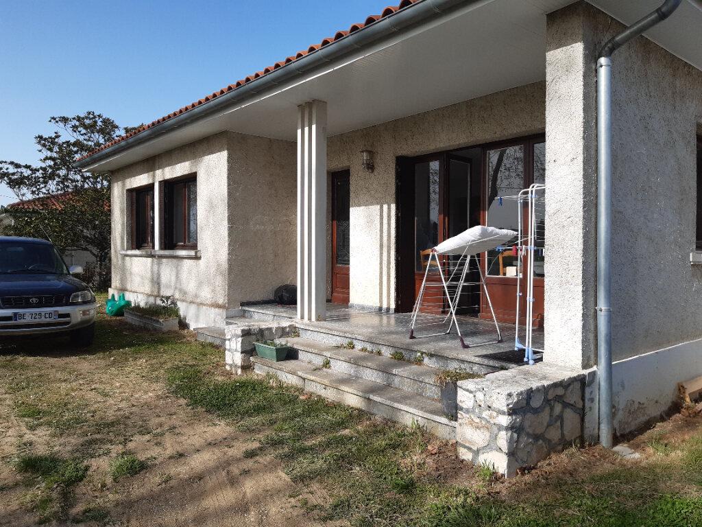 Maison à louer 4 80m2 à Saint-Paul-Cap-de-Joux vignette-1
