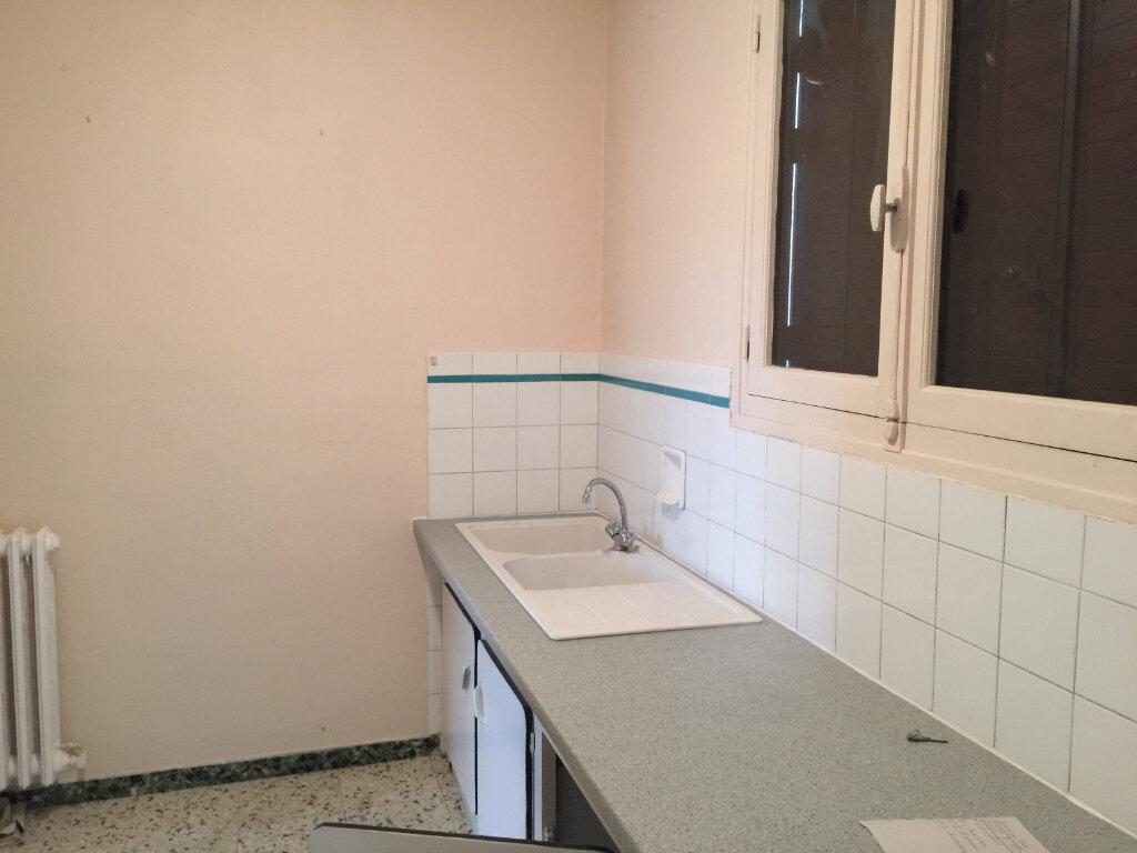 Maison à louer 4 80m2 à Saint-Paul-Cap-de-Joux vignette-4
