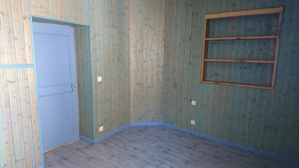 Maison à louer 4 140m2 à Bout-du-Pont-de-Larn vignette-8