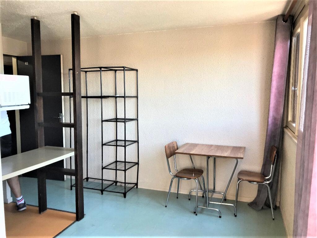 Appartement à louer 1 18m2 à Albi vignette-1