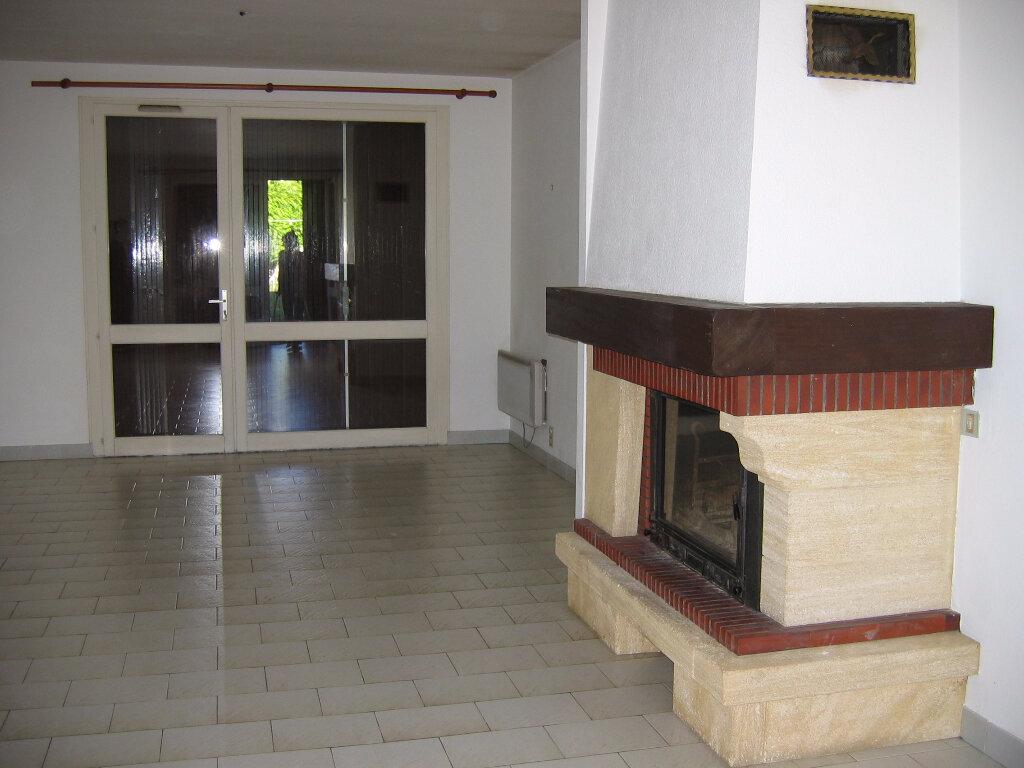 Maison à louer 4 130m2 à Albi vignette-2
