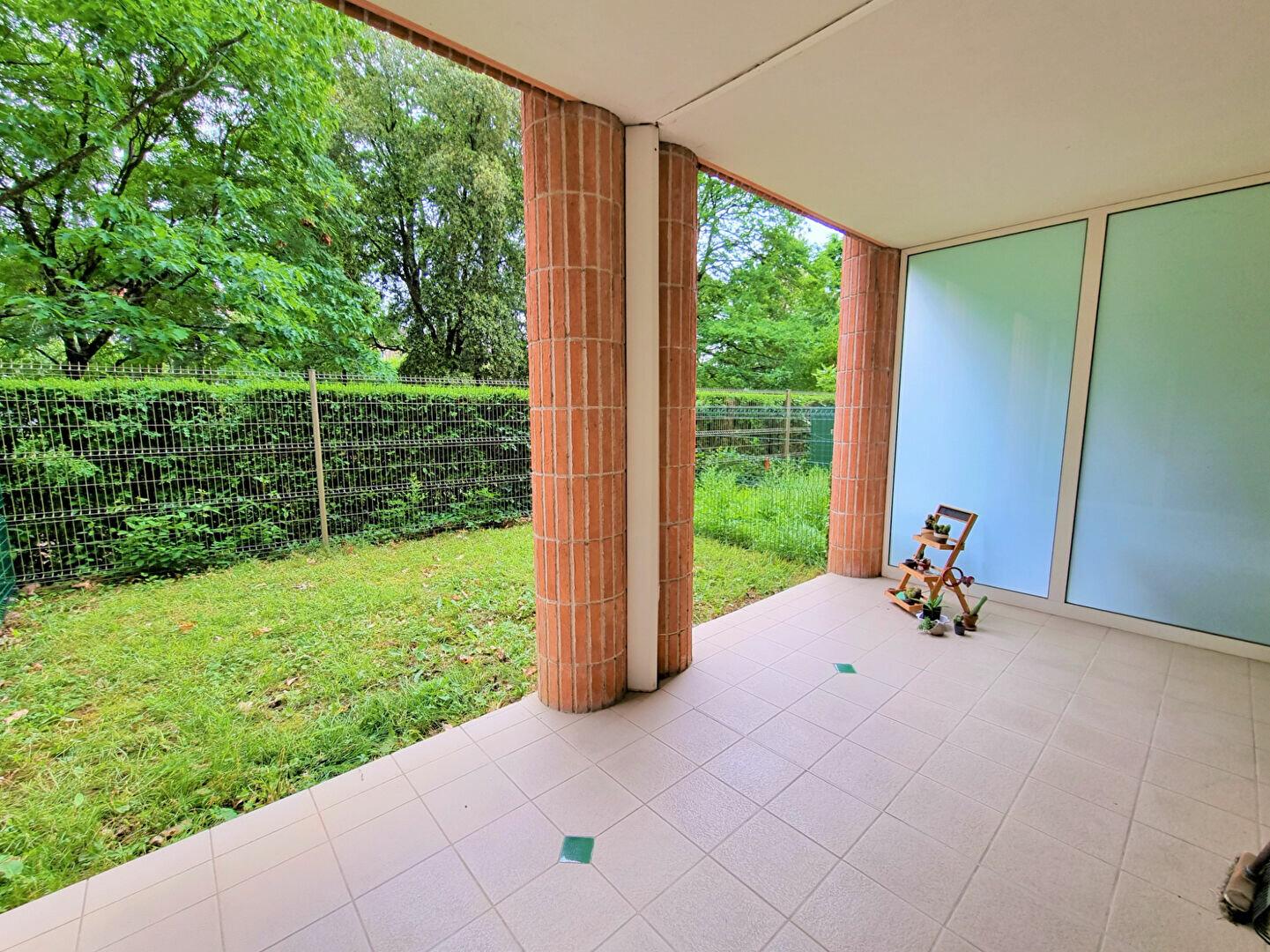 Appartement à louer 1 27m2 à Albi vignette-3