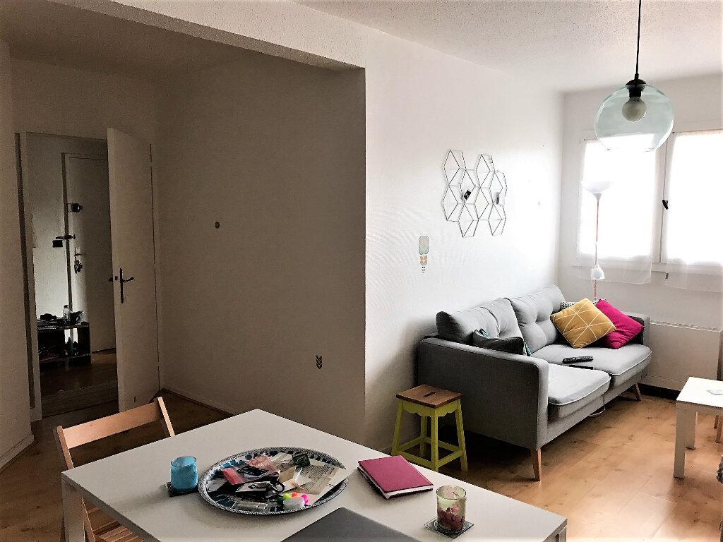 Appartement à louer 2 54.78m2 à Albi vignette-3