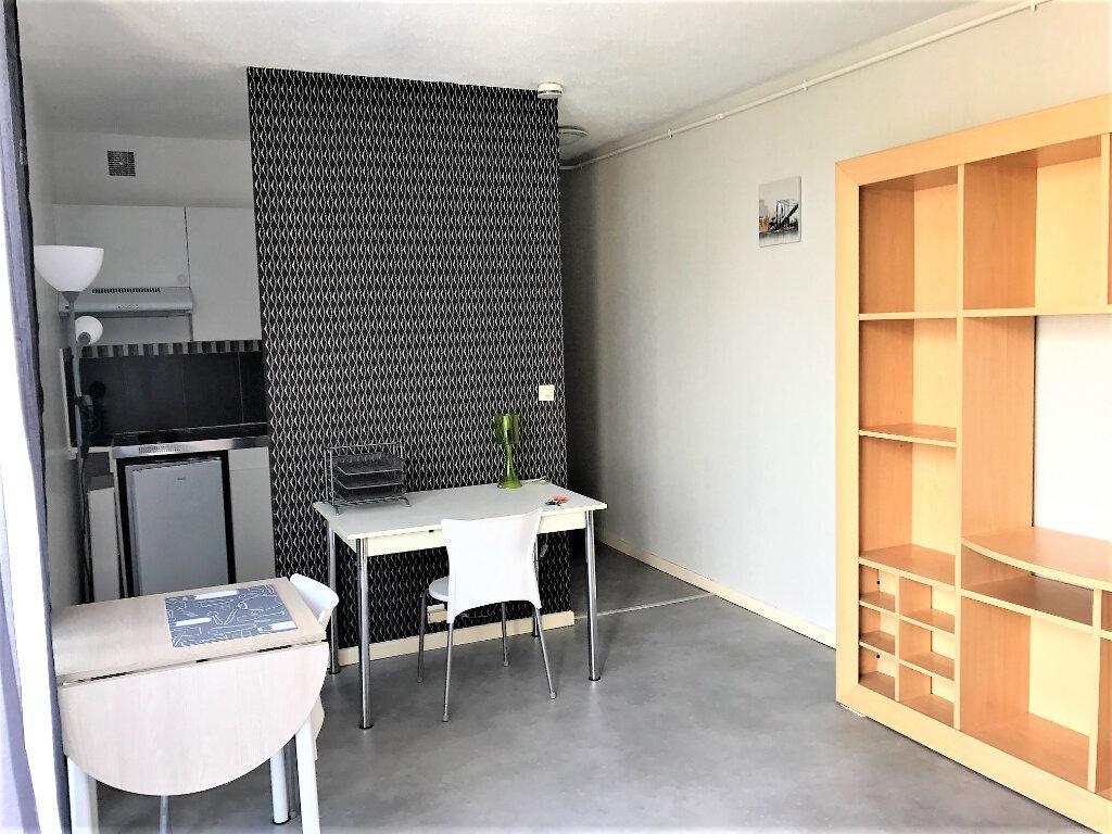 Appartement à louer 1 21m2 à Albi vignette-3