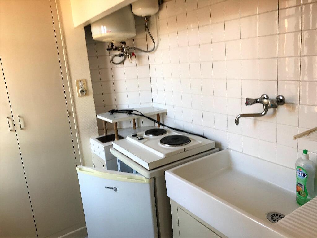 Appartement à louer 1 25m2 à Albi vignette-4