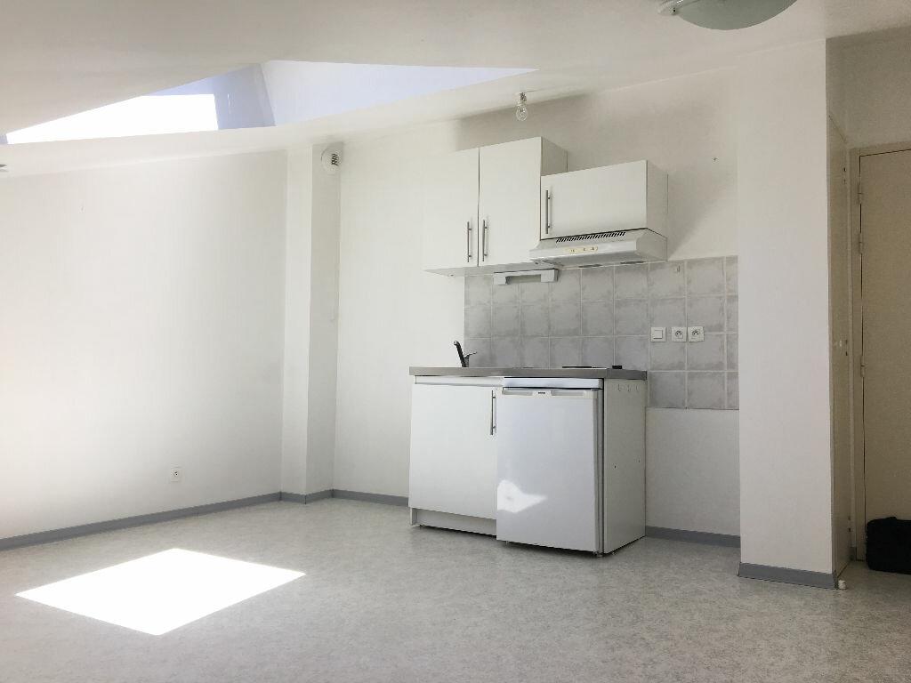 Appartement à louer 2 21m2 à Albi vignette-1