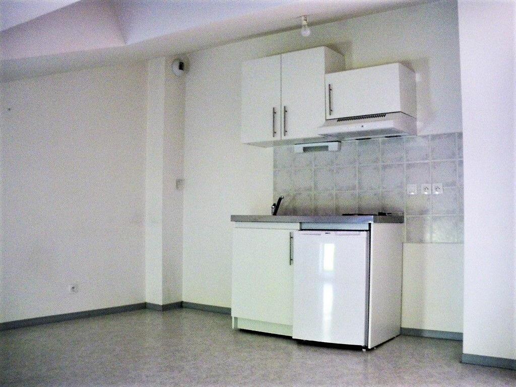 Appartement à louer 2 21m2 à Albi vignette-4
