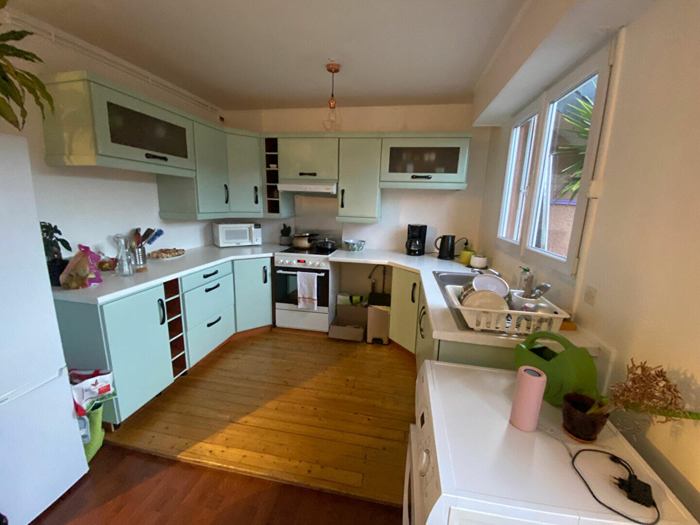 Appartement à louer 3 66m2 à Équeurdreville-Hainneville vignette-1