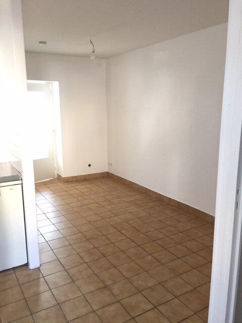 Appartement à louer 2 29m2 à Équeurdreville-Hainneville vignette-4