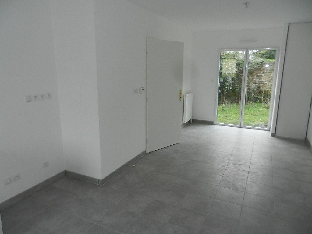 Appartement à louer 2 39.05m2 à Cherbourg-Octeville vignette-2