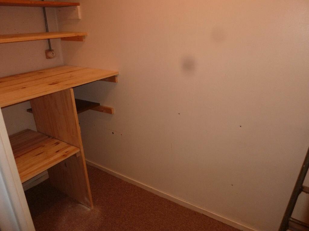 Appartement à louer 2 49m2 à Équeurdreville-Hainneville vignette-3