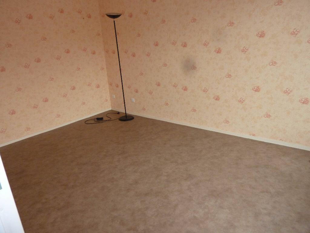 Appartement à louer 2 49m2 à Équeurdreville-Hainneville vignette-6