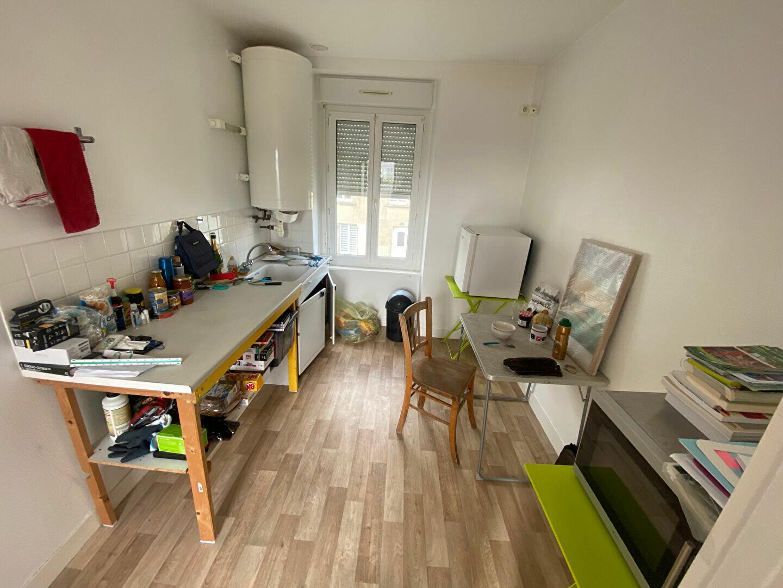 Appartement à louer 1 25m2 à Tourlaville vignette-2