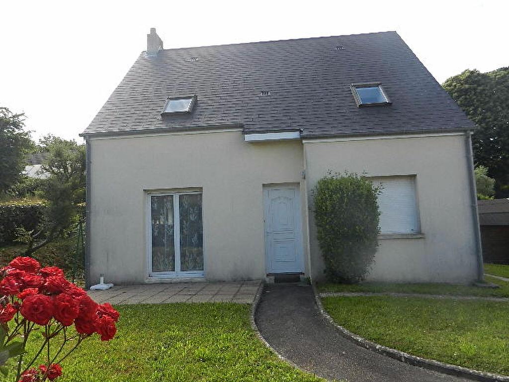 Maison à louer 6 100.5m2 à Querqueville vignette-1