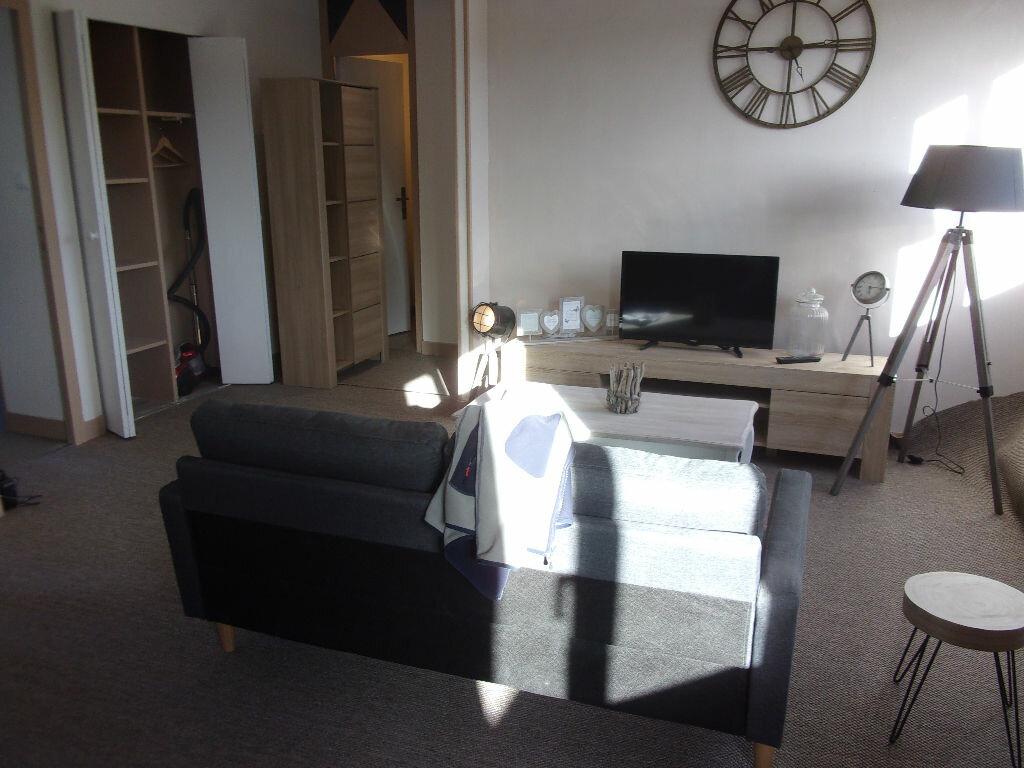 Appartement à louer 3 68.5m2 à Tourlaville vignette-4