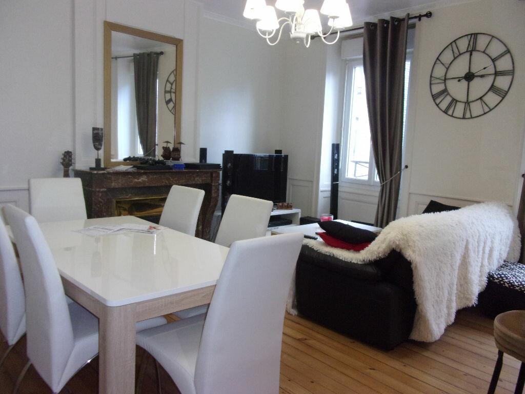 Appartement à louer 3 64m2 à Cherbourg-Octeville vignette-1
