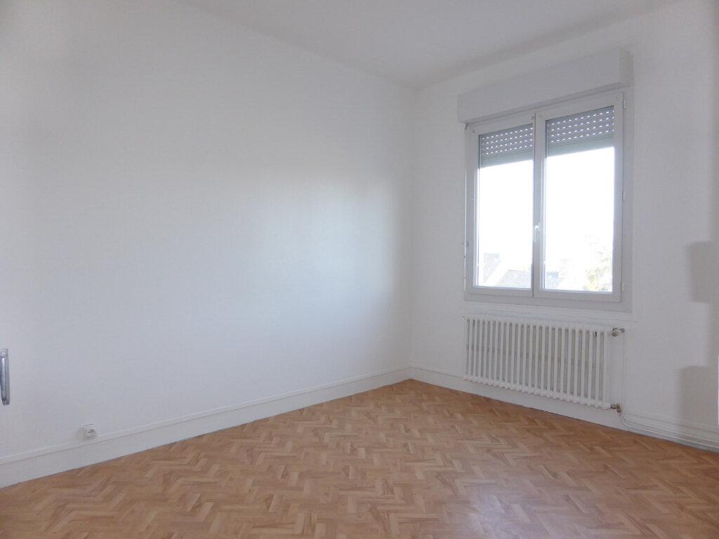 Appartement à louer 4 82.57m2 à Quettehou vignette-2