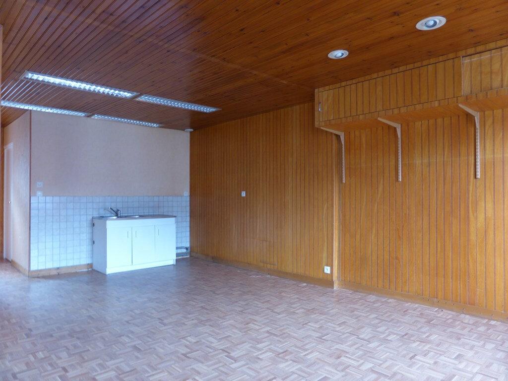 Appartement à louer 3 59.7m2 à Quettehou vignette-3