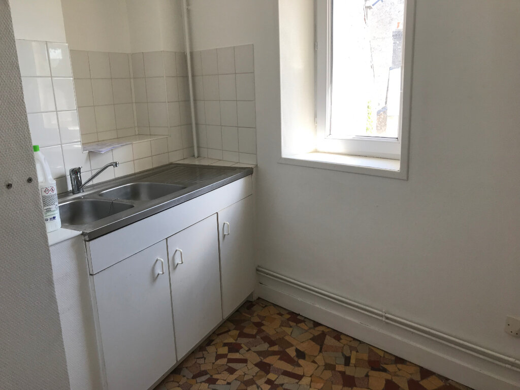 Appartement à louer 2 38.5m2 à Valognes vignette-3