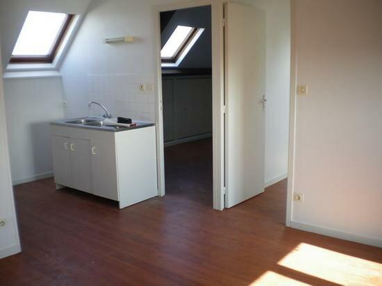 Appartement à louer 3 46m2 à Valognes vignette-1