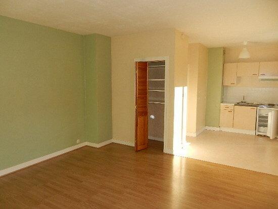 Appartement à louer 1 33m2 à Cherbourg-Octeville vignette-1