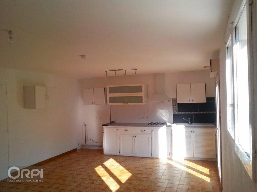 Maison à louer 4 92.22m2 à Saint-Gildas-de-Rhuys vignette-2