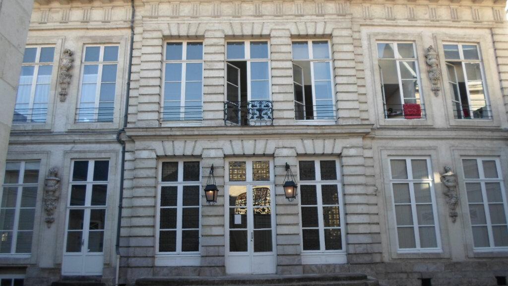Appartement à louer 2 47.6m2 à Lille vignette-4