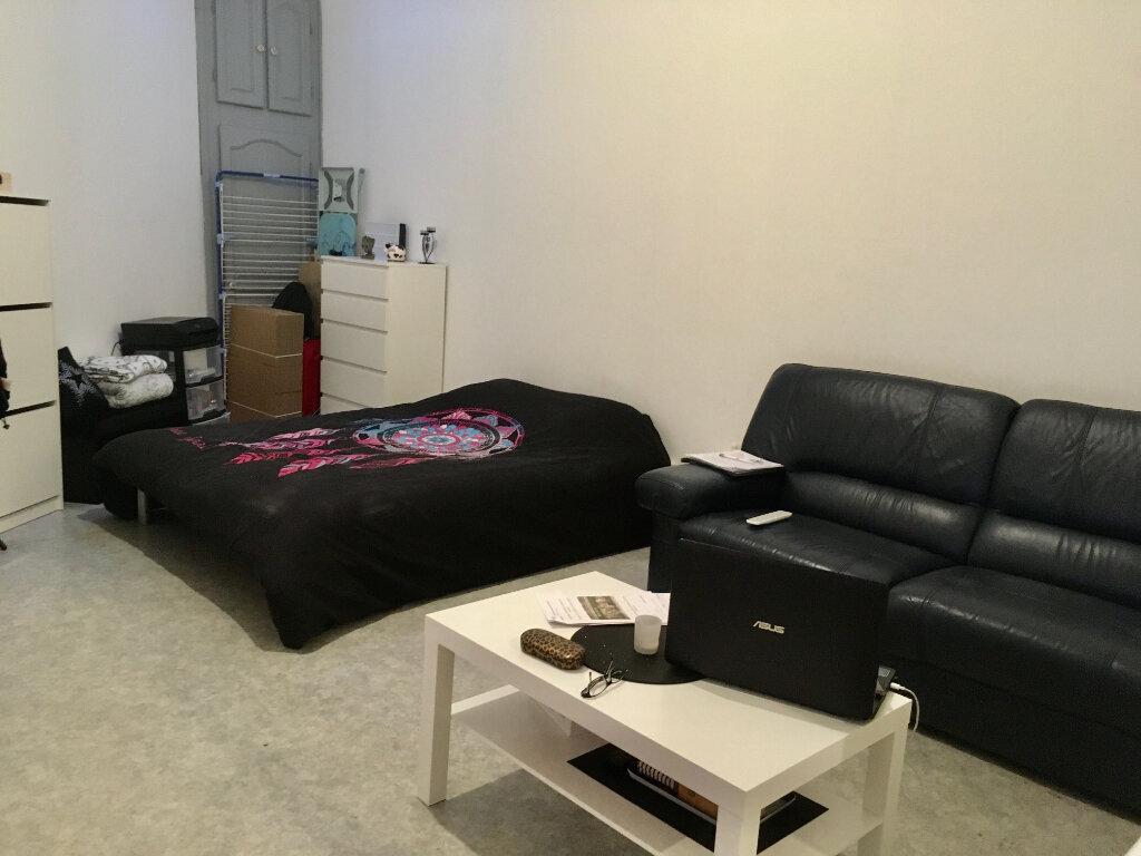 Appartement à louer 1 31.98m2 à Lille vignette-2
