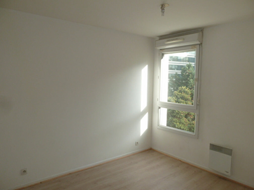 Appartement à louer 2 39.05m2 à Saint-Denis vignette-3
