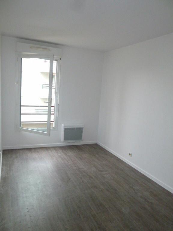Appartement à louer 3 62.2m2 à Saint-Denis vignette-2