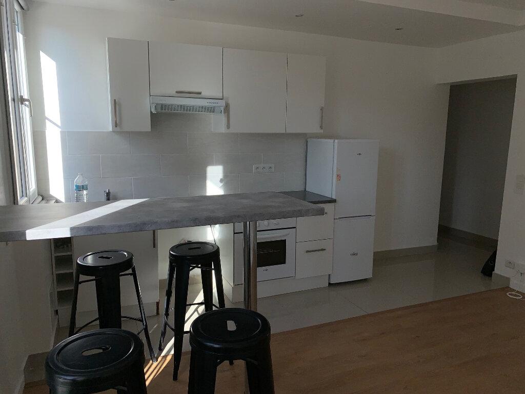 Appartement à louer 2 35.48m2 à Saint-Ouen vignette-3