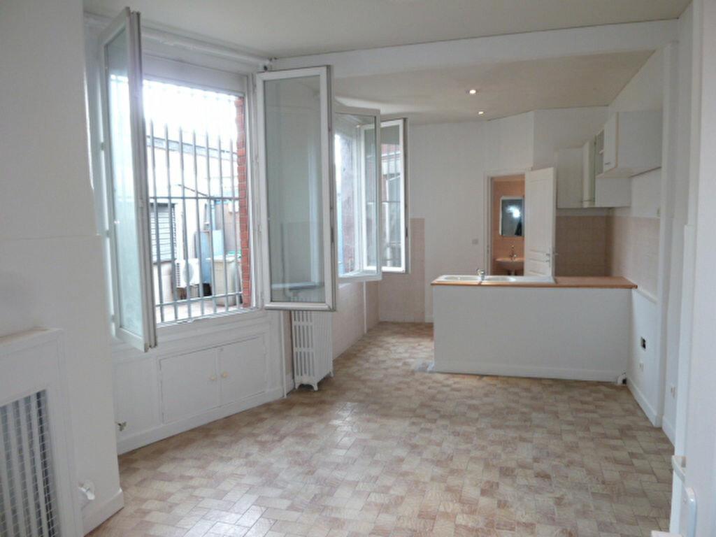 Appartement à louer 1 27.99m2 à Saint-Ouen vignette-1