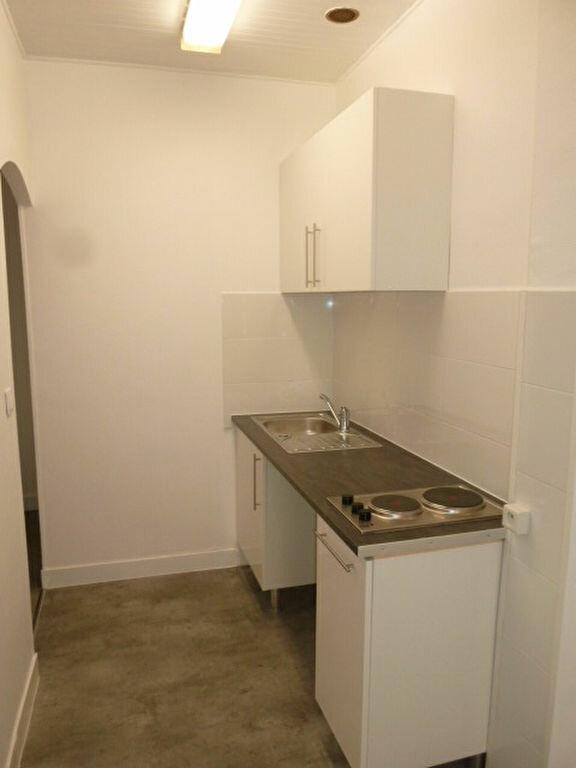 Appartement à louer 1 21.99m2 à Saint-Ouen vignette-2
