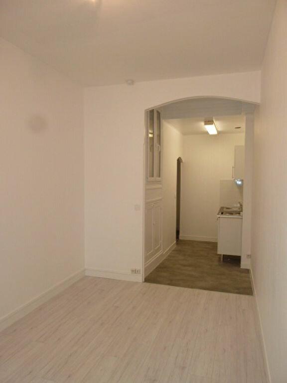 Appartement à louer 1 21.99m2 à Saint-Ouen vignette-4