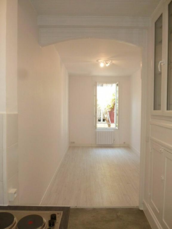 Appartement à louer 1 21.99m2 à Saint-Ouen vignette-5