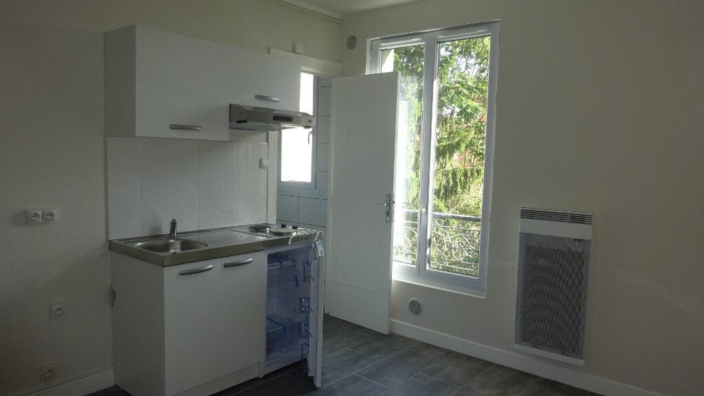 Appartement à louer 2 23.58m2 à Saint-Ouen vignette-1