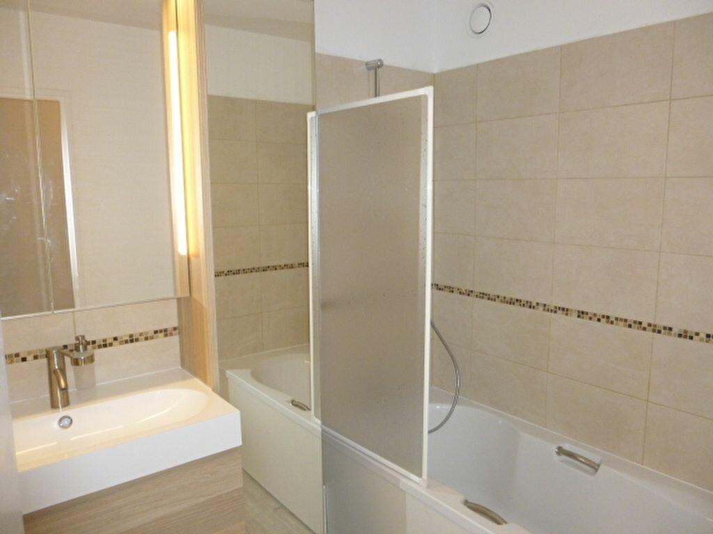Appartement à louer 3 64.43m2 à Issy-les-Moulineaux vignette-7