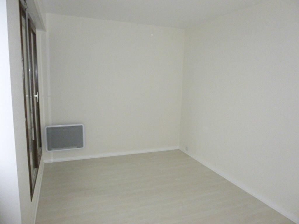 Appartement à louer 3 64.43m2 à Issy-les-Moulineaux vignette-9