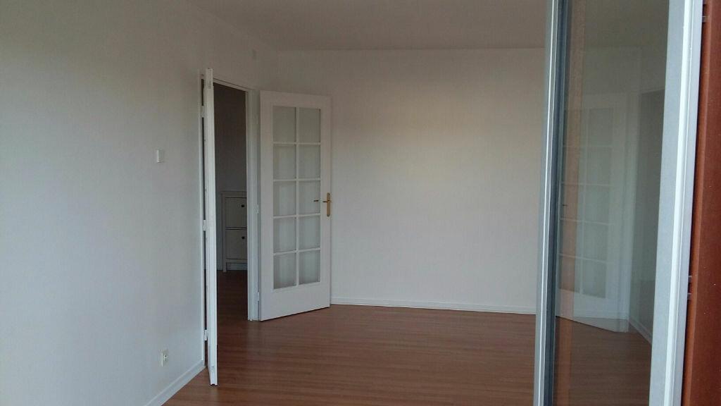 Appartement à louer 2 60.02m2 à Issy-les-Moulineaux vignette-4