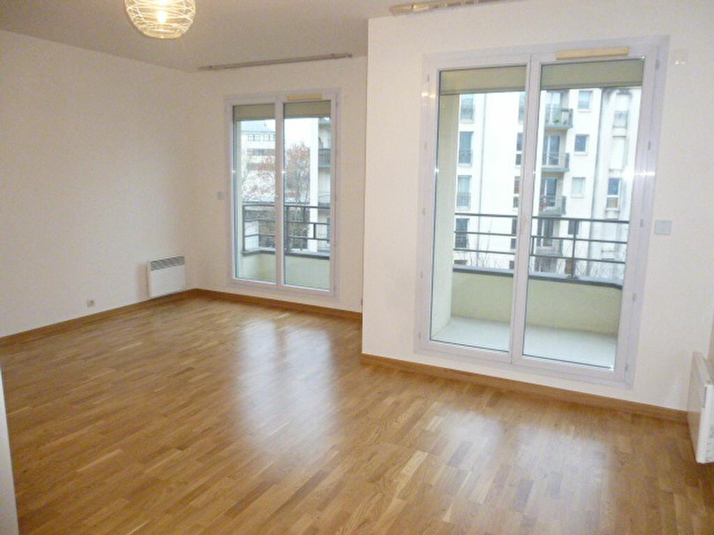 Appartement à louer 2 32.12m2 à Issy-les-Moulineaux vignette-2