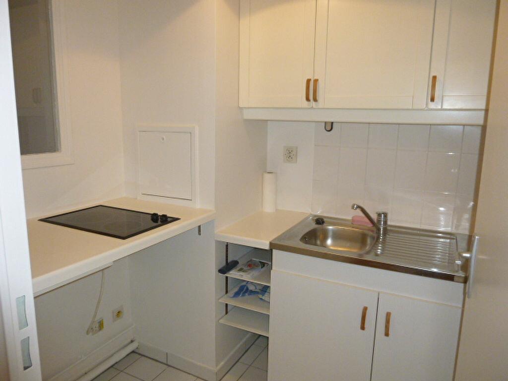 Appartement à louer 2 32.12m2 à Issy-les-Moulineaux vignette-8