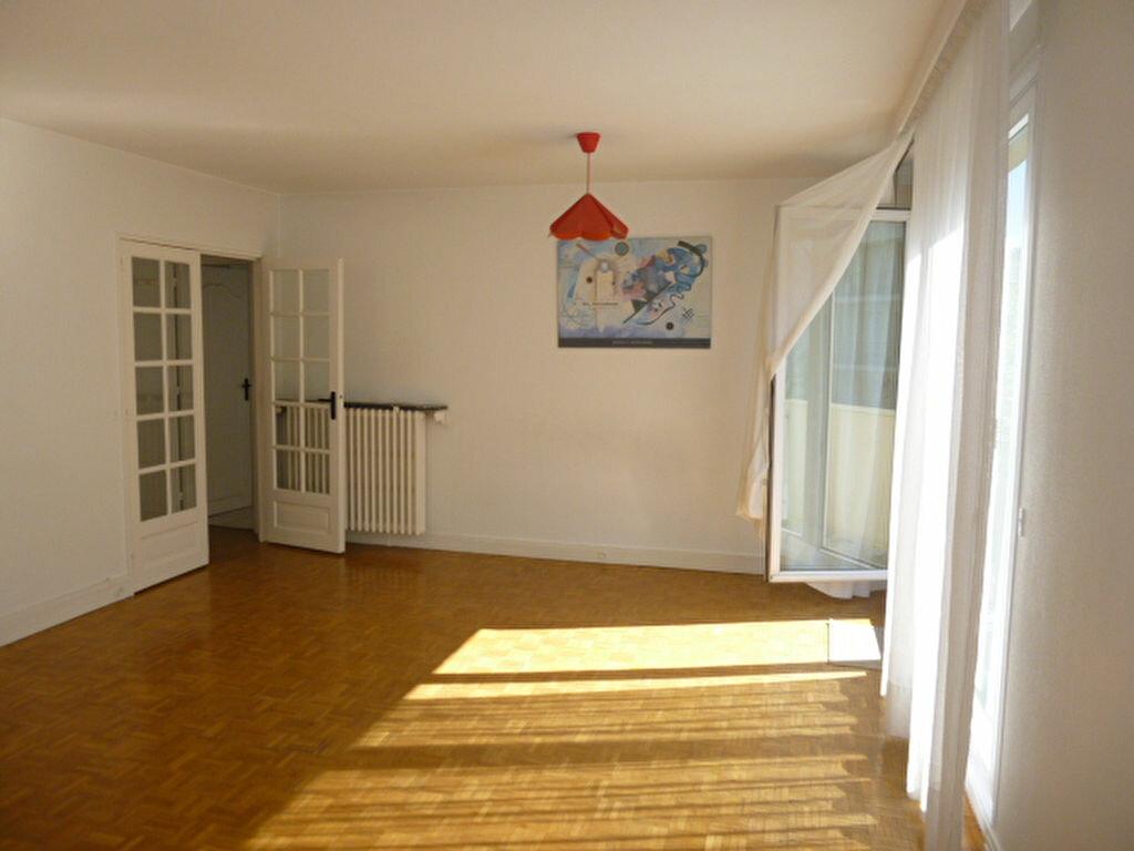 Appartement à louer 2 50.26m2 à Issy-les-Moulineaux vignette-1