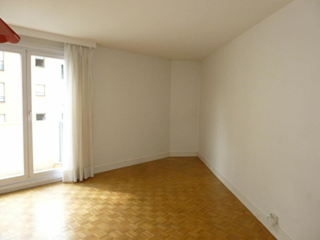 Appartement à louer 2 50.26m2 à Issy-les-Moulineaux vignette-3