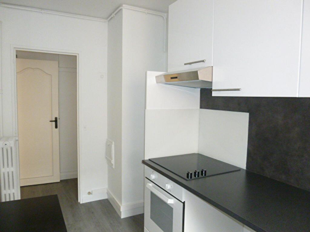 Appartement à louer 2 50.26m2 à Issy-les-Moulineaux vignette-5