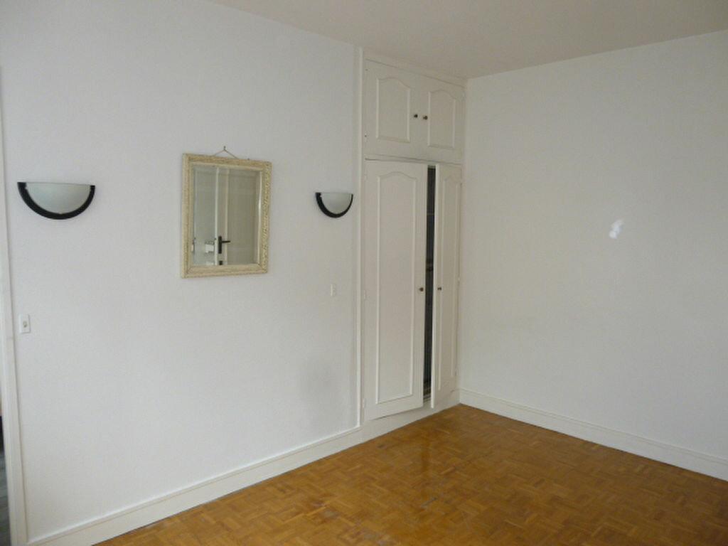 Appartement à louer 2 50.26m2 à Issy-les-Moulineaux vignette-7