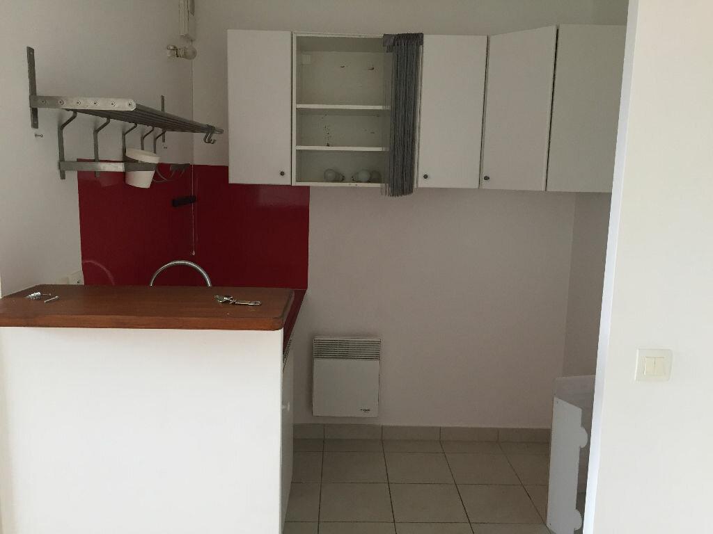 Appartement à louer 2 36.4m2 à Le Plessis-Robinson vignette-2
